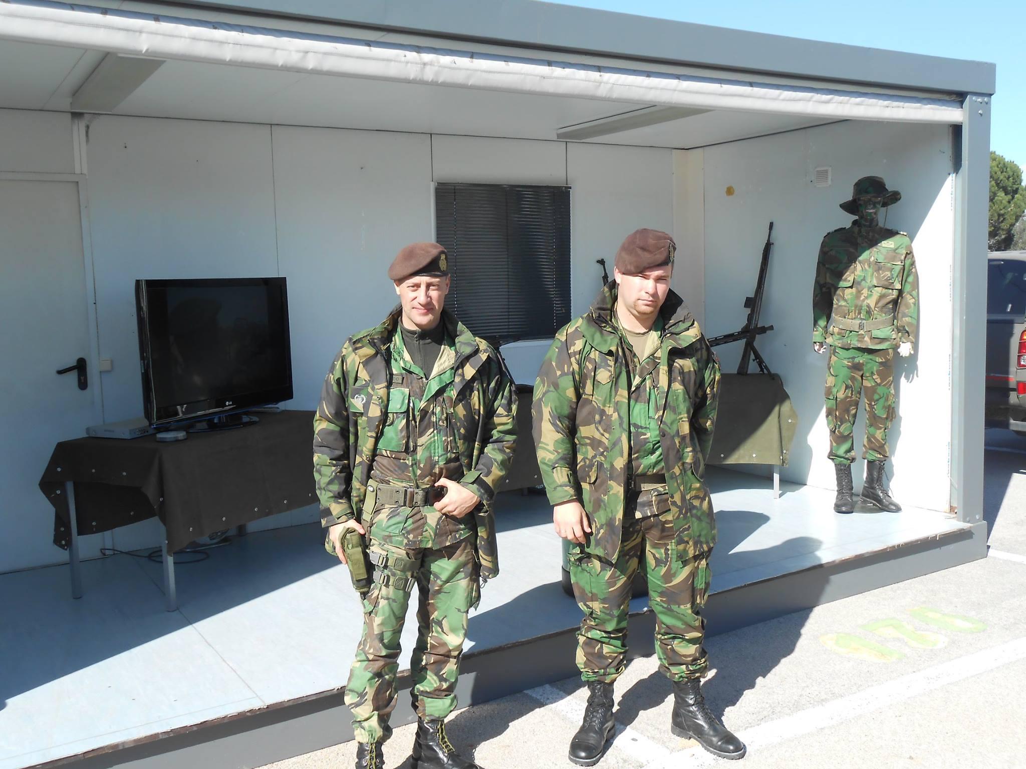 Exército Português no Mercado de Quelfes  6faecc8f0c3